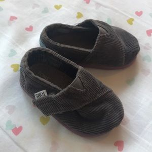 Toms Baby Shoes • T4